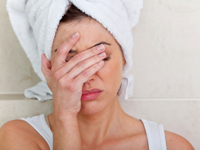 4 Signs Your Beauty Products Are Harming Your Skin